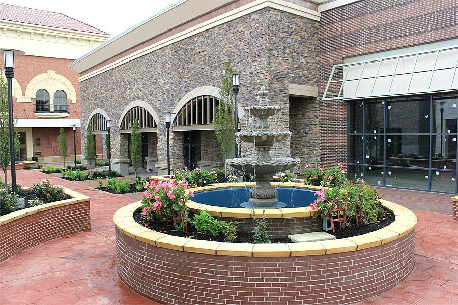 courtyard_17
